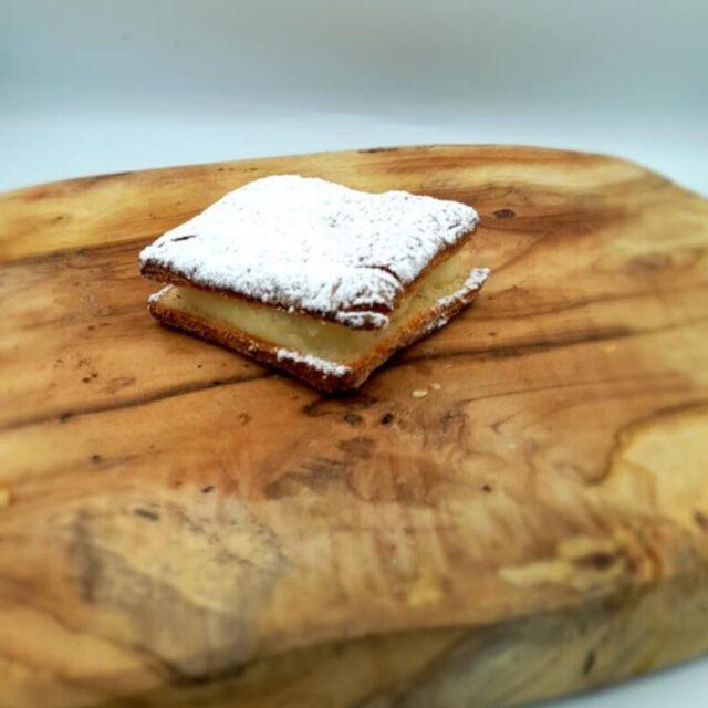 #crèmekoek met suiker  #glutenvrij #tarwevrij #lactosevrij #koemelkvrij  https://lotjans.be/product/cremekoek-met-suiker/